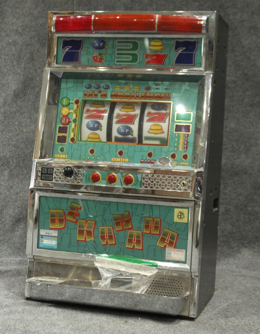 DEKANA HOME ELECTRONIC SLOT MACHINE With TOKENS