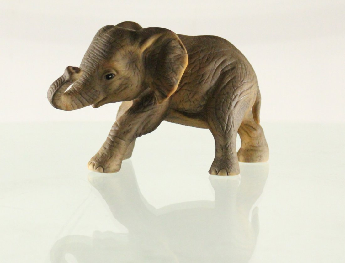 J BROWN R.S.L 1981 Mexico, PORCELAIN ELEPHANT Figurine - 2