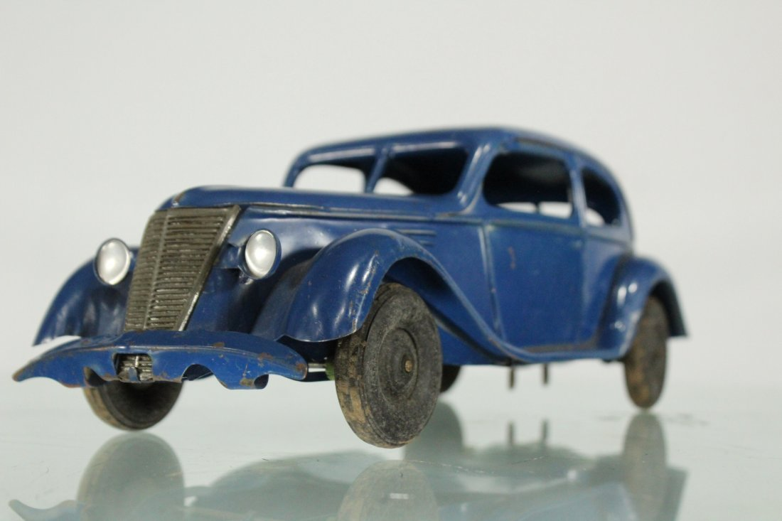 KINGSBURY TOYS 1940s Blue Car Pulling Trailer Camper - 4