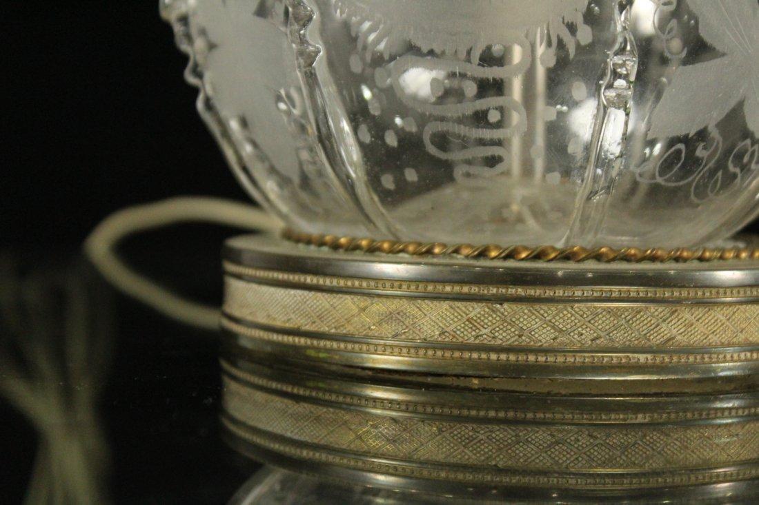 Pair Antique BACCARAT ETCHED GLASS BOUDOIR LAMPS - 4