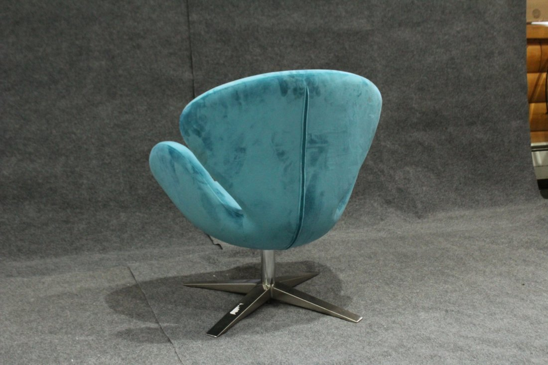 ARNE JACOBSEN DANISH SWIVEL SWAN CHAIR - Later Version - 4