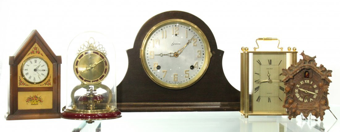 Collection of assorted clocks