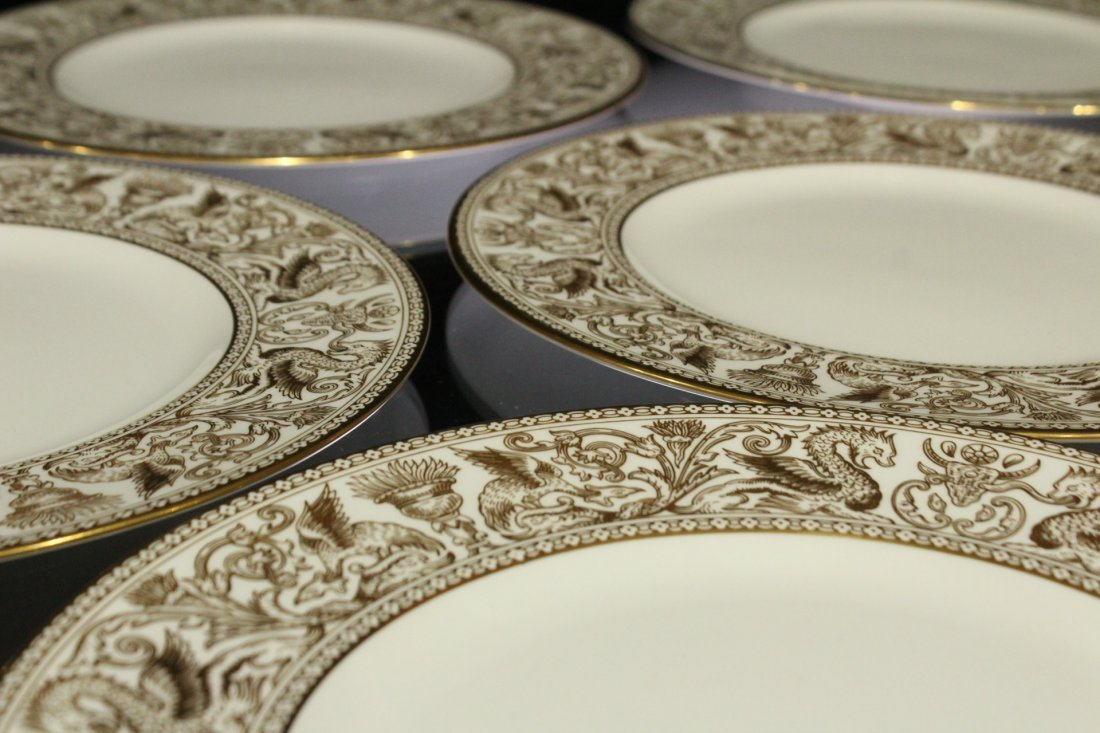 Six [6] WEDGWOOD GOLD FLORENTINE Dinner Plates - 3