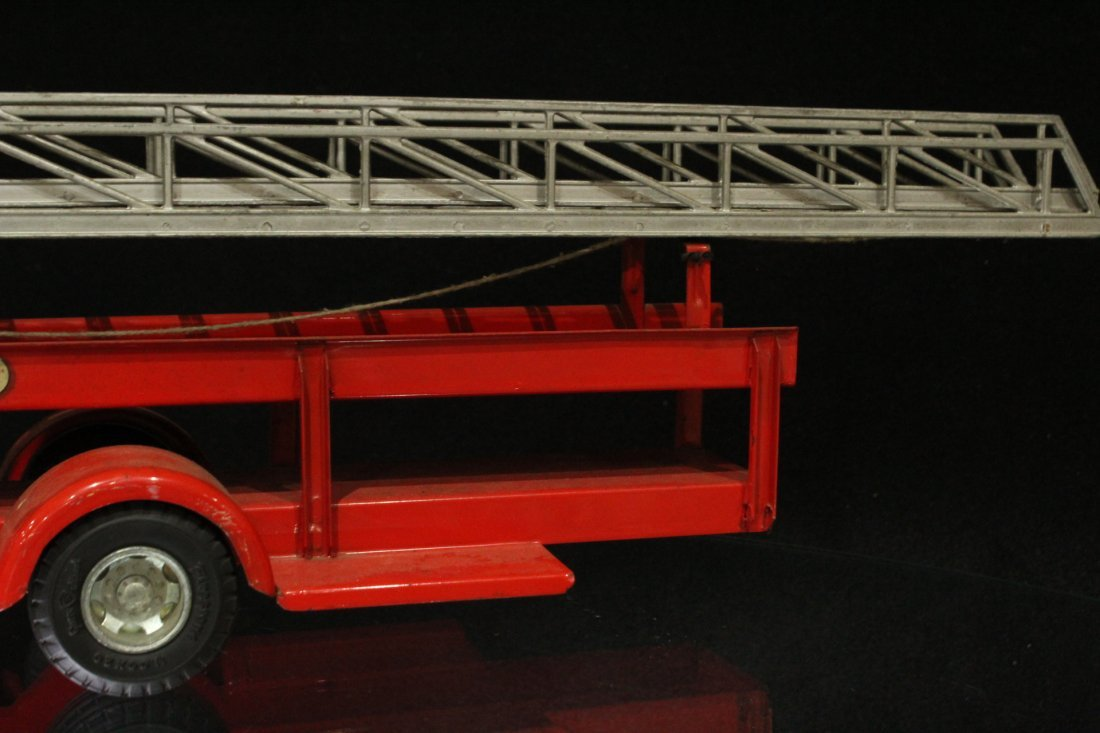 MODEL TOYS ROSSMOYNE Fireman Hook And Ladder Truck - 6