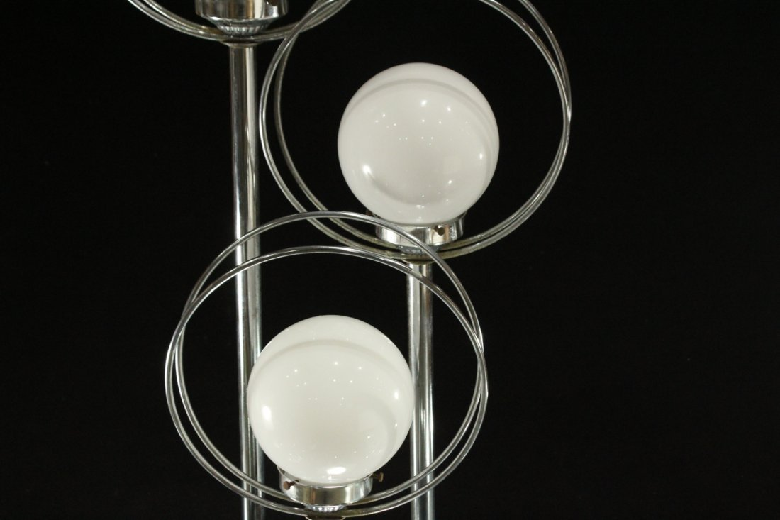 Mid-Century Design Chrome Circle 3-Light Table Lamp - 2