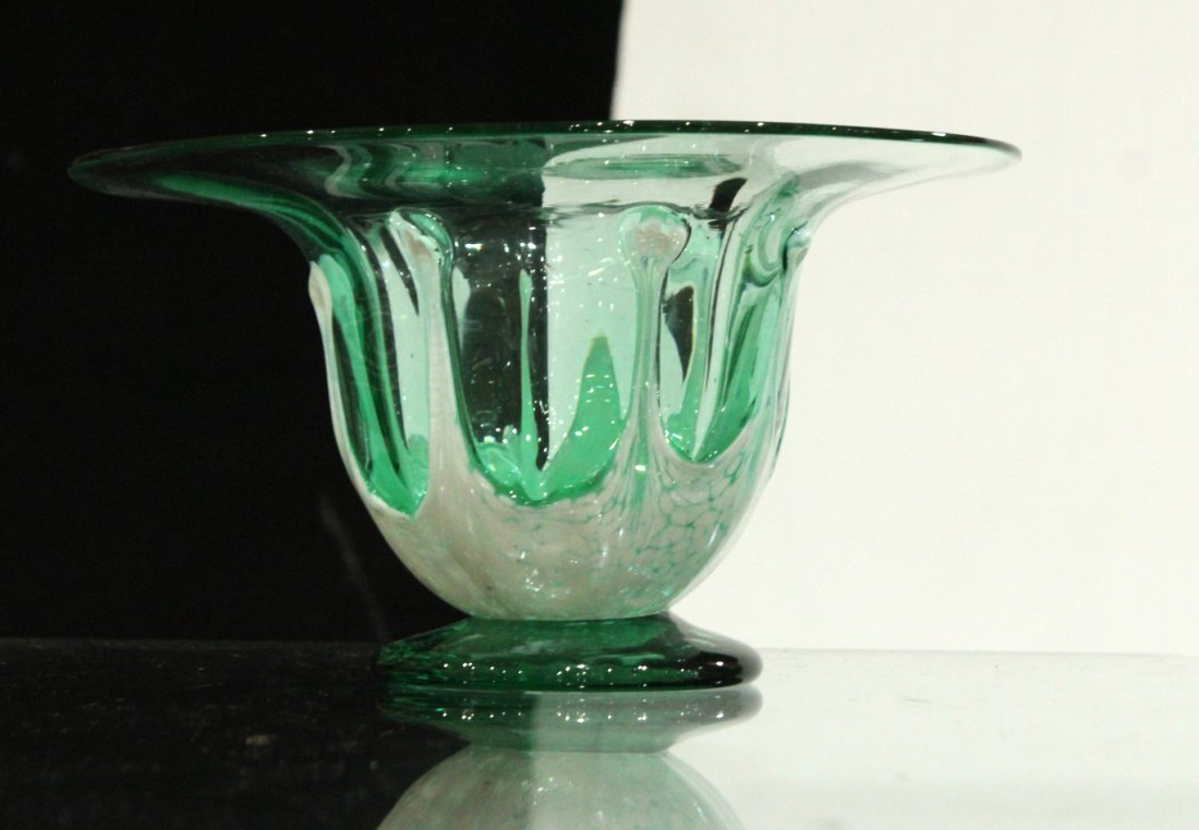 Mid-century vintage hand blown art glass vase - 2