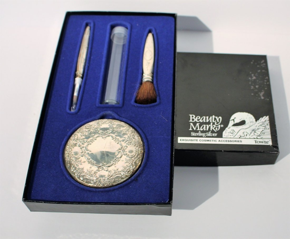 TOWLE STERLING Exquisite Cosmetics MAKE UP KIT in Case