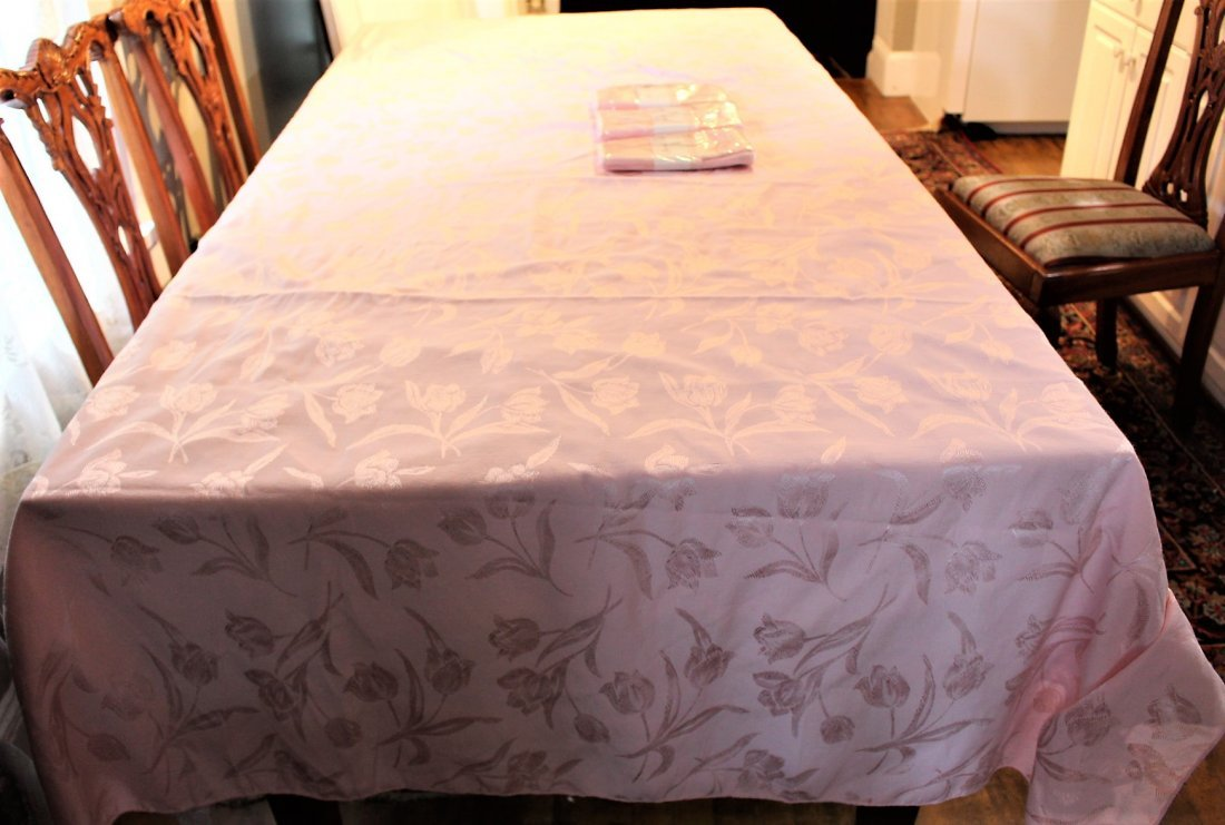 """PINK TABLECLOTH w/ 12 NAPKINS """"Spring Tulips"""""""