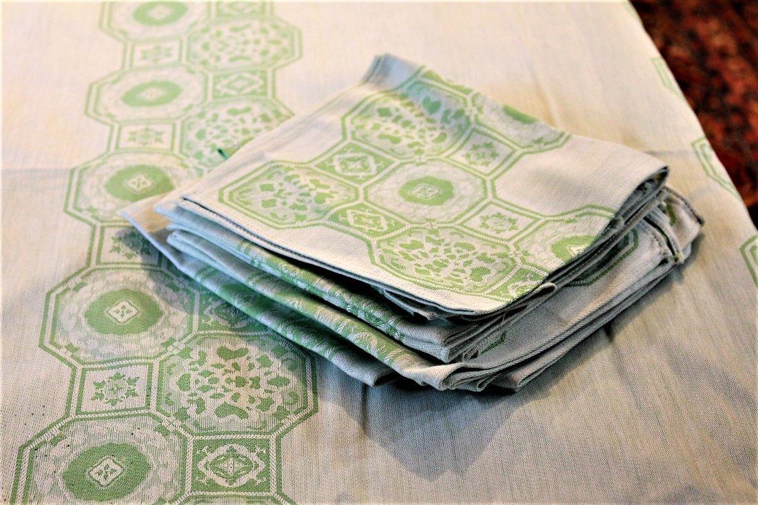 GREEN TABLECLOTH w/ 12 NAPKINS - 4