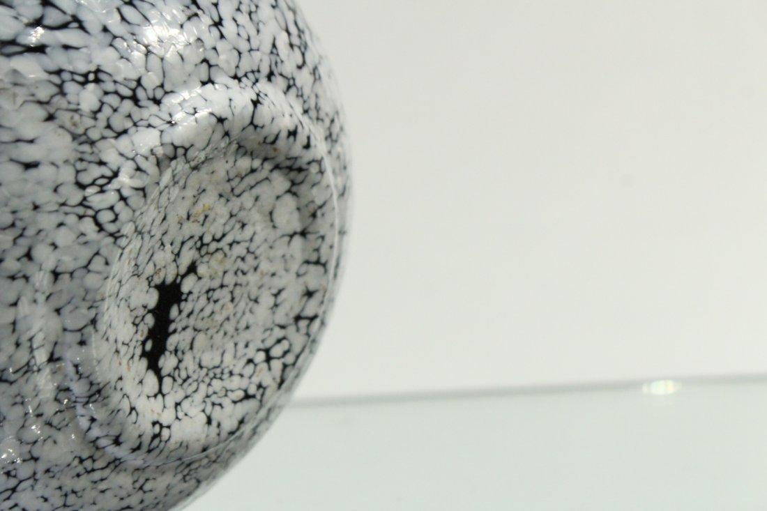 Mid-century Modern Italian Glass Speckled Vase - 5