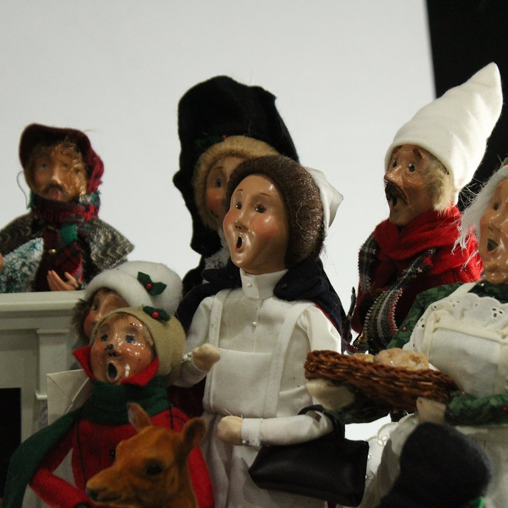 Byers' Choice The Carolers Christmas Collection - 4