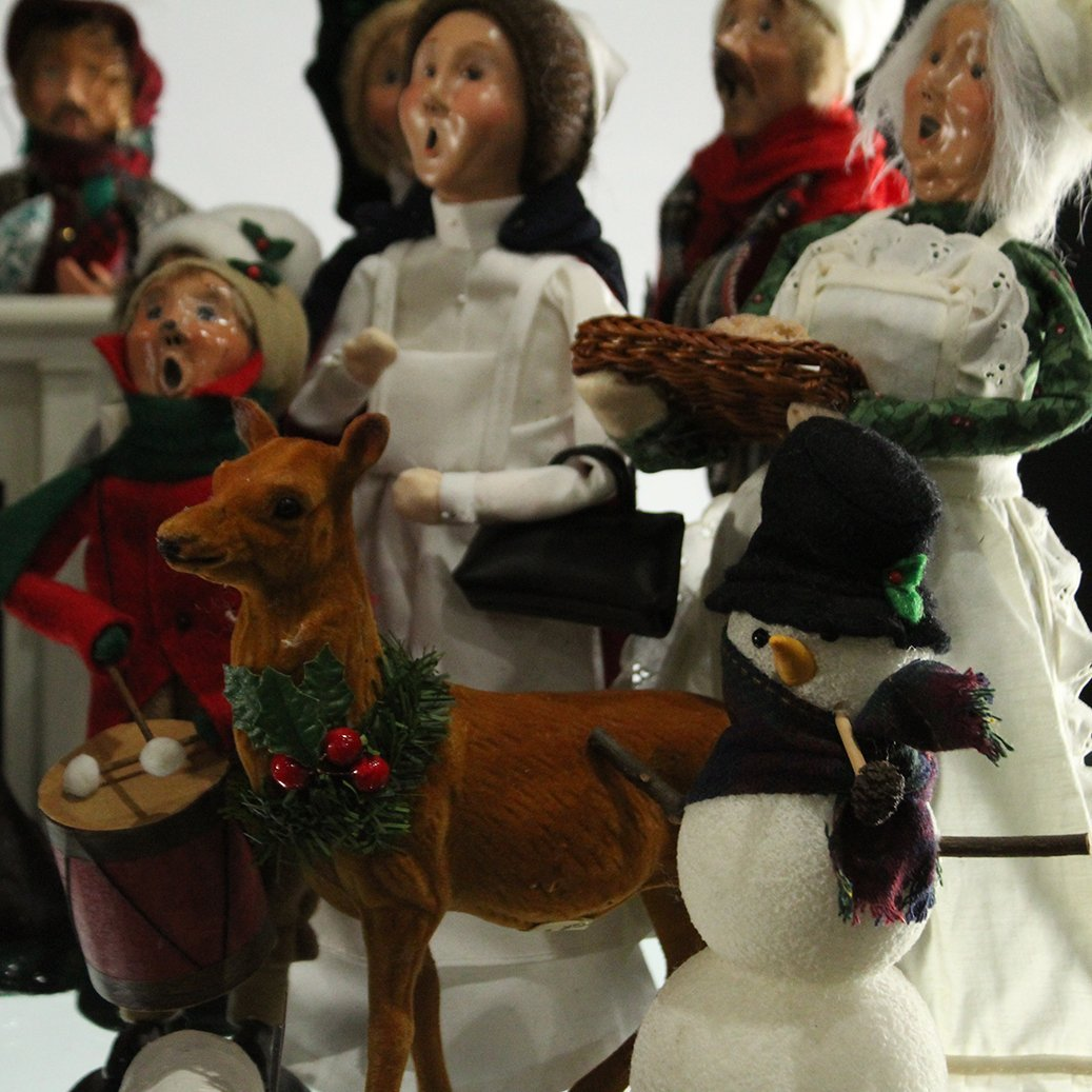 Byers' Choice The Carolers Christmas Collection - 5