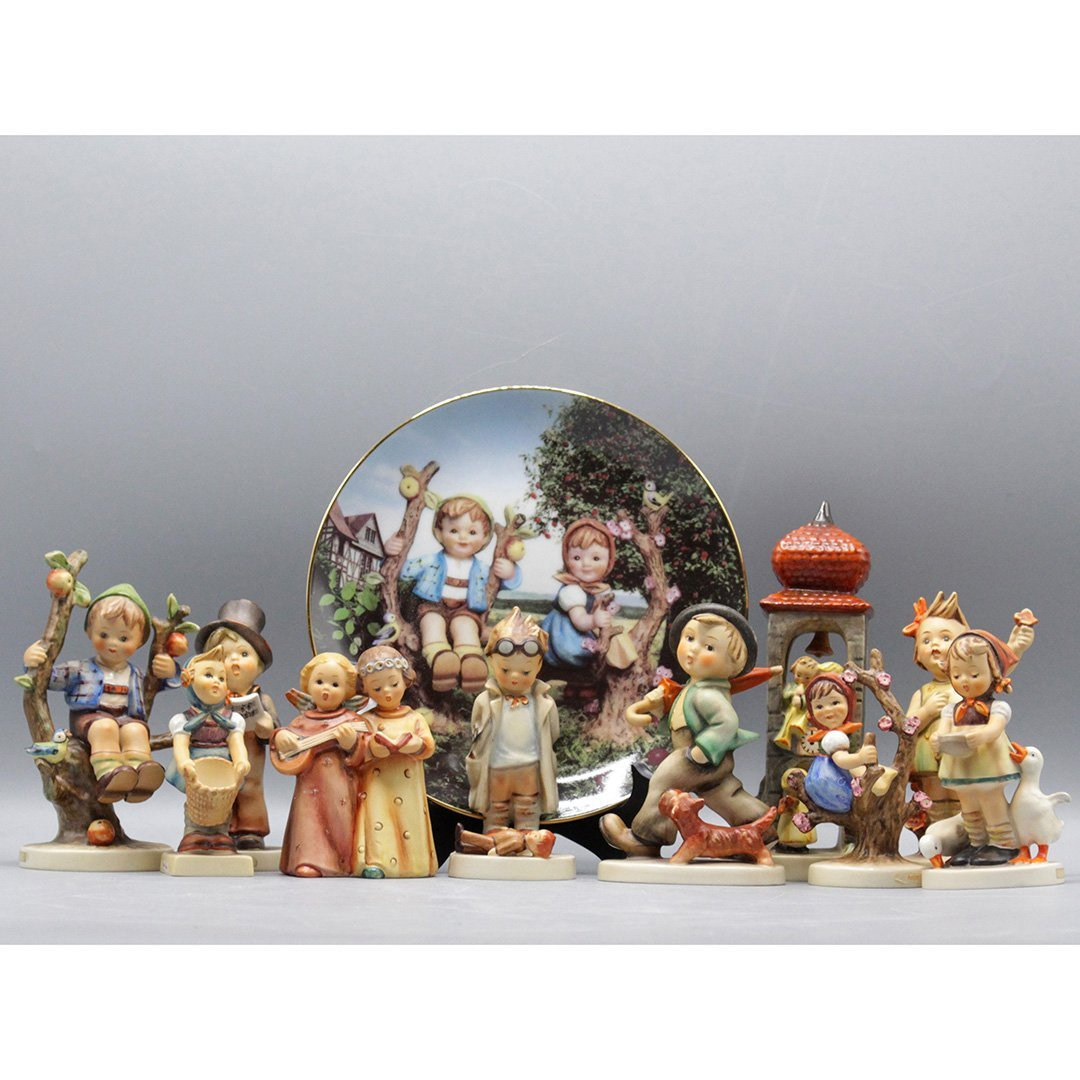 11X Collection of Hummel Figurines W. Goebel