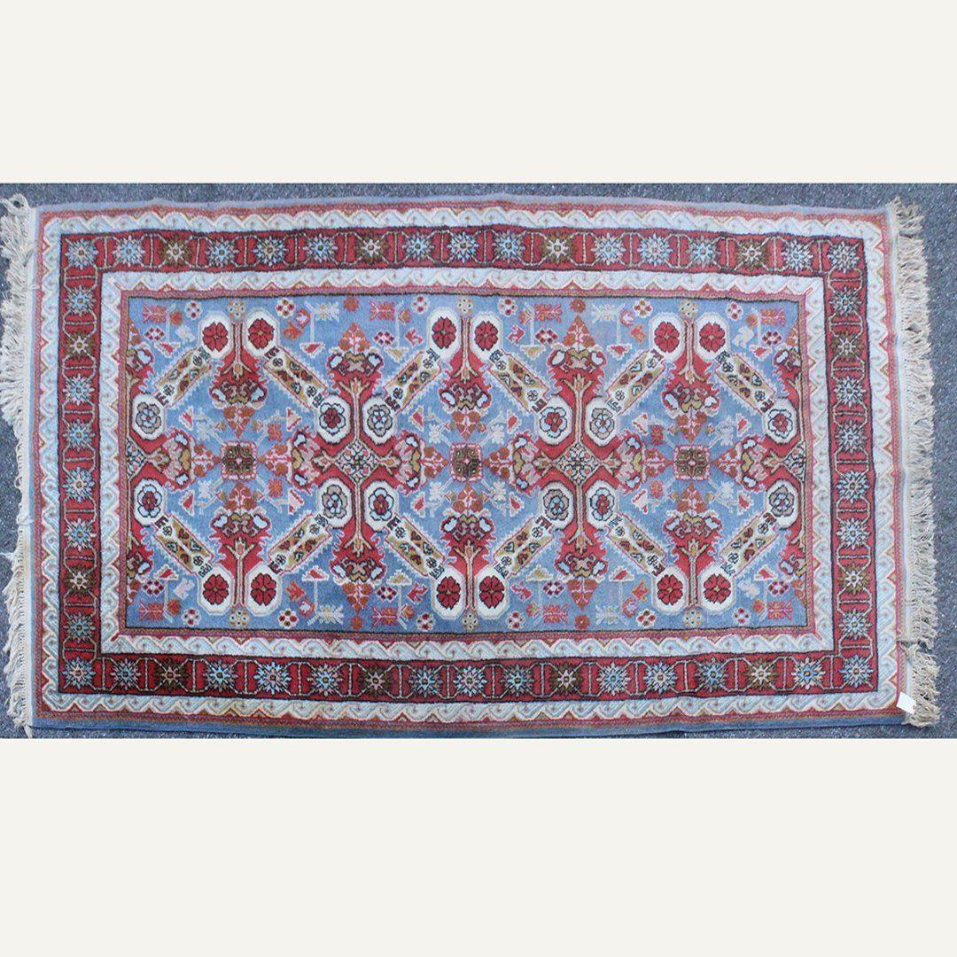 Hand Made Persian Design Oriental Wool Rug