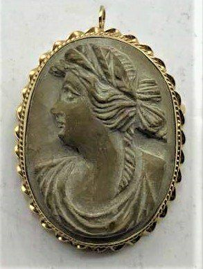 14 K Yellow Gold Mounted Carved Stone Cameo Brooch