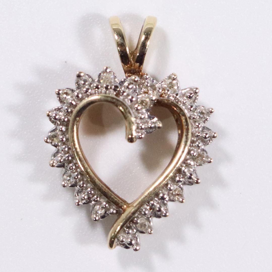10 K Yellow Gold Diamonds Heart Pendant