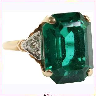 14K Yellow Gold Emerald and Diamond Ring Size 5.5