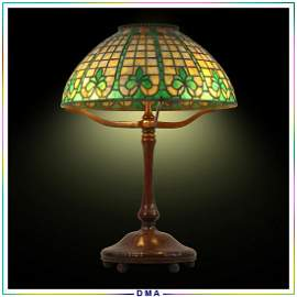 "TIFFANY STUDIOS NEW YORK ""Fleur Di Lis"" Table Lamp"