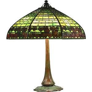 Handel Slag Glass Overlay Red Hearts Border Table Lamp