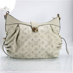 LOUIS VUITTON White Leather Mahina Hand Bag