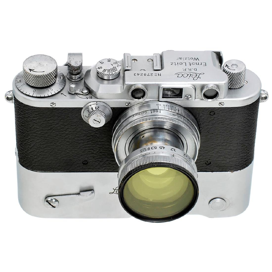 Leica IIIa with Summitar 2/5 cm and MOOLY