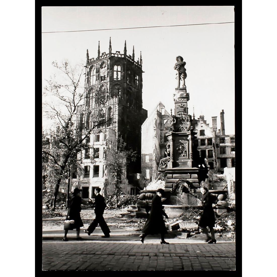 "Peter Fischer, Cologne: ""Alter Markt"", November 1943"
