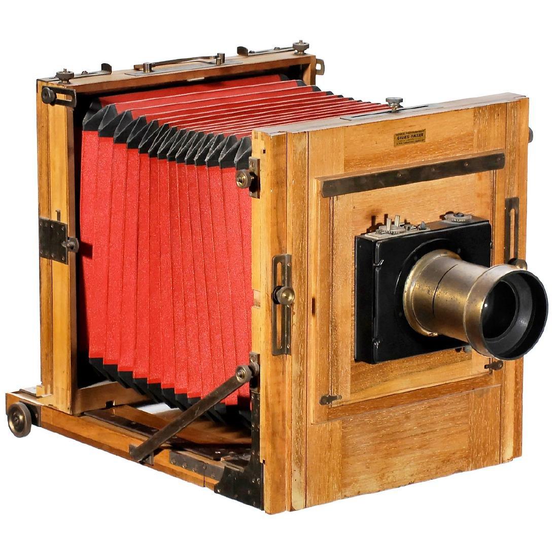 Chambre de Studio (Field and Studio Camera) by