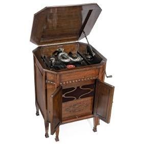 Gilbert Console Model 64 Gramophone, c. 1927