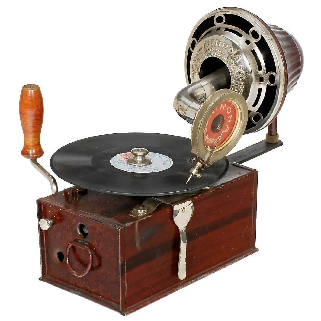 Nirona Gramophone, c. 1920