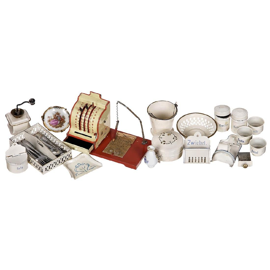 Extensive Group of Dollhouse Accessories, 1920 onwards - 3