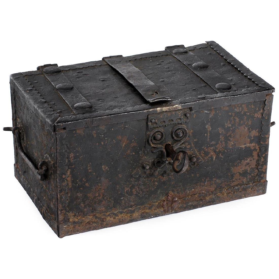 Edwardian (1901-1910) Expressive Metal Edwardian Steamer Trunk Antique Furniture