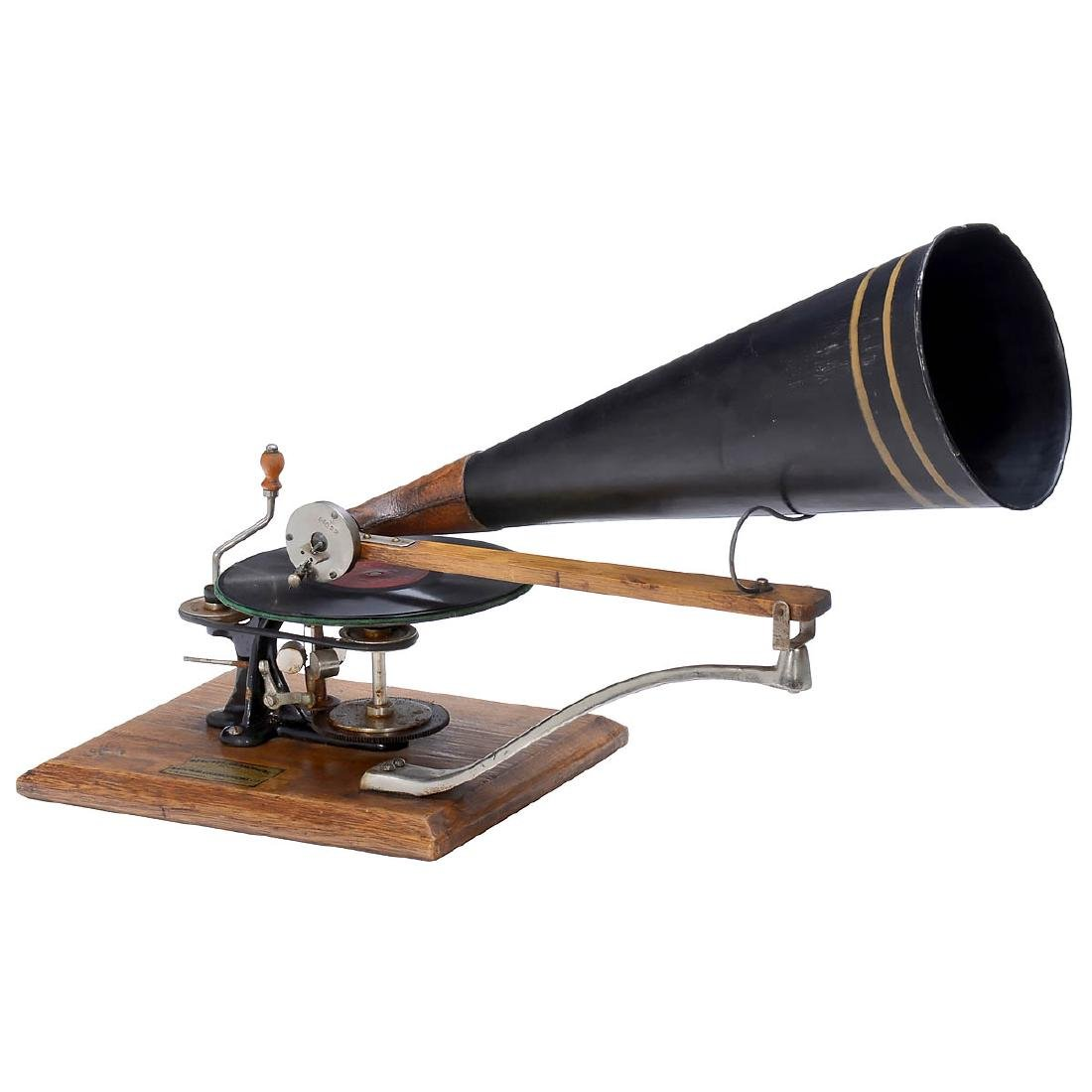 Emile Berliner-Style Hand-Cranked Gramophone
