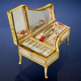 Fine Palais Royale Musical Piano-Form Sewing