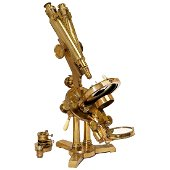 Double-Pillar Binocular Polarization Microscope