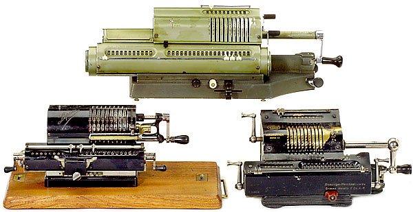 12: 3 Sprossenrad-Rechenmaschinen