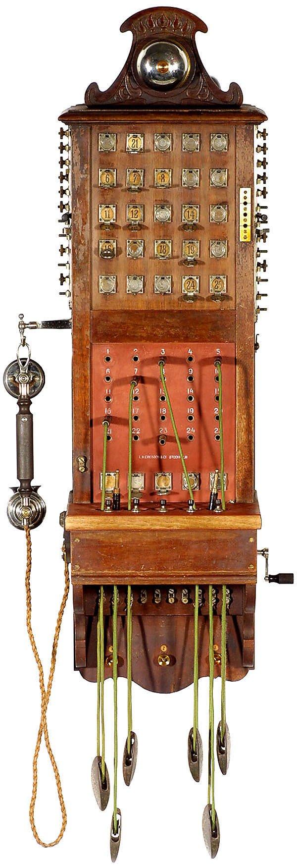 75:Telephonzentrale L.M. Ericsson -Vintage telephone
