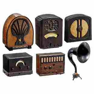 4 Radio Receivers and 2 Loudspeakers