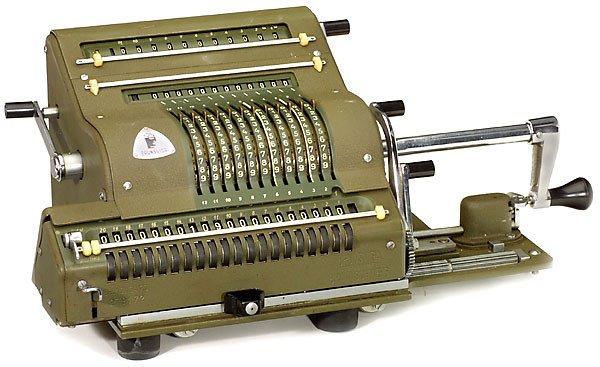 "13: Calculator ""Brunsviga Mod. 20"" 1932"