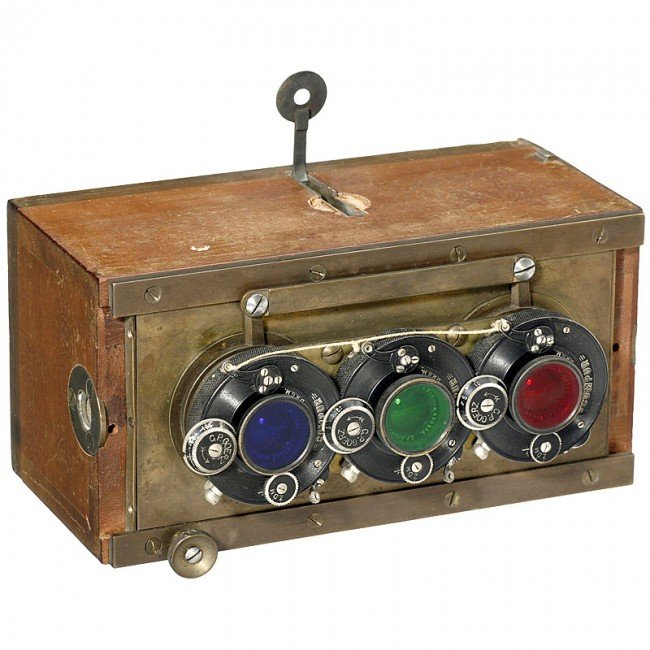 160: Three-Color Camera and Projector by Dr. August Wet - 2
