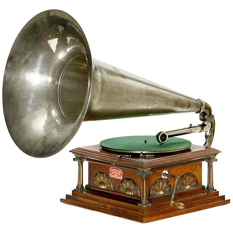 "385: Horn Gramophone ""Odeon Disc Machine"", 1905"