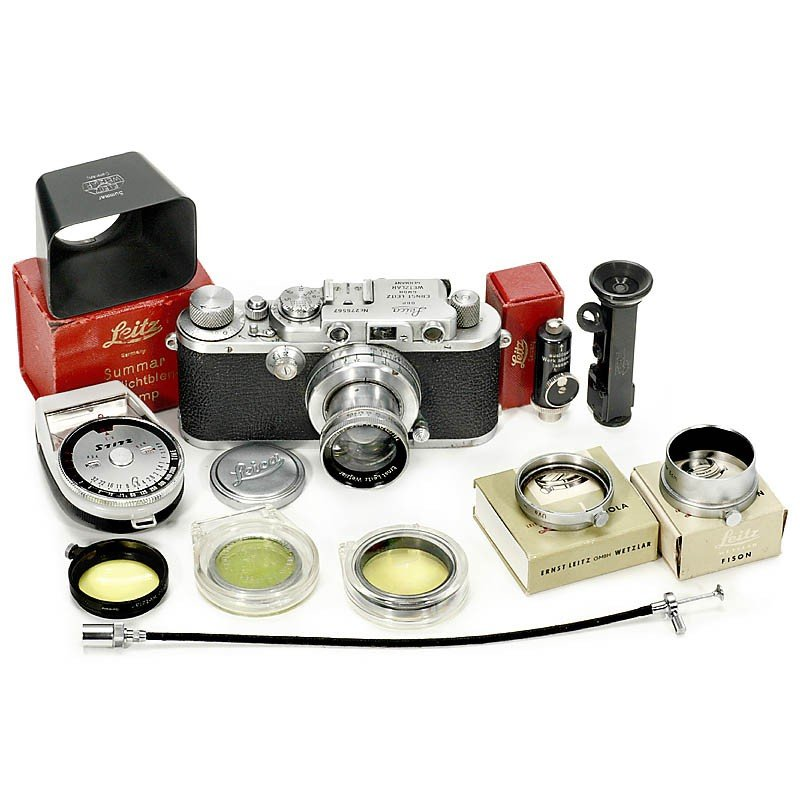 192: Leica IIIa with Accessories, 1938