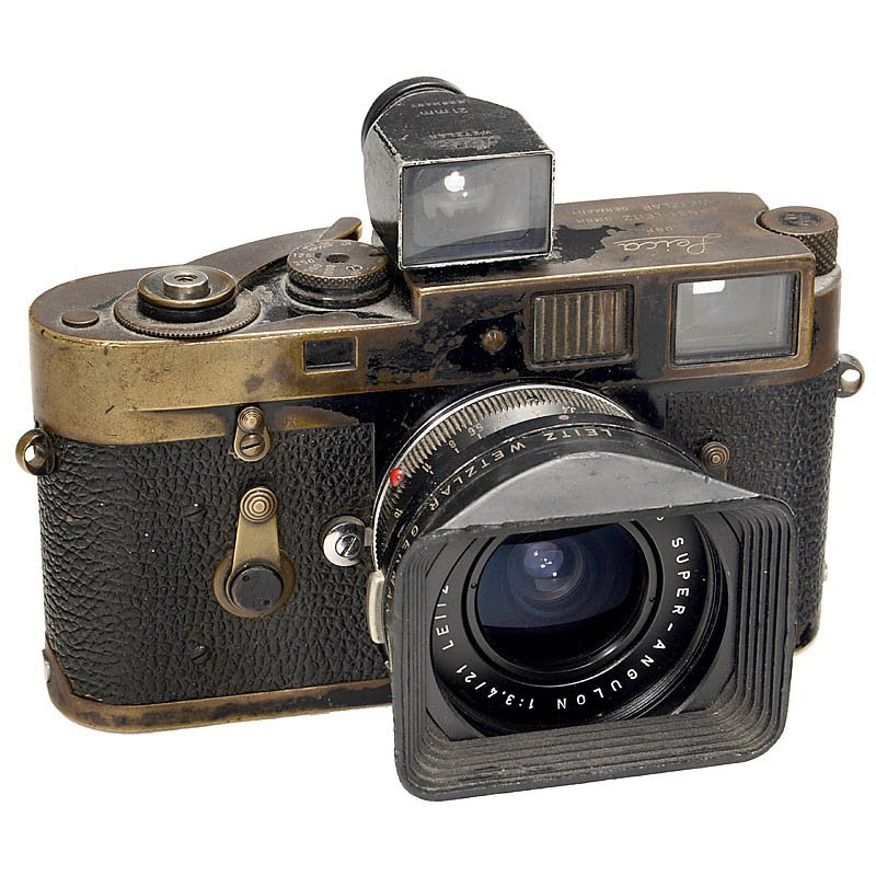 Leica M2 (Black) with Super-Angulon 3,4/21 mm