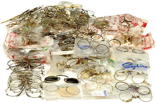 282: Large Lot of Pince-nez of an Optician Shop