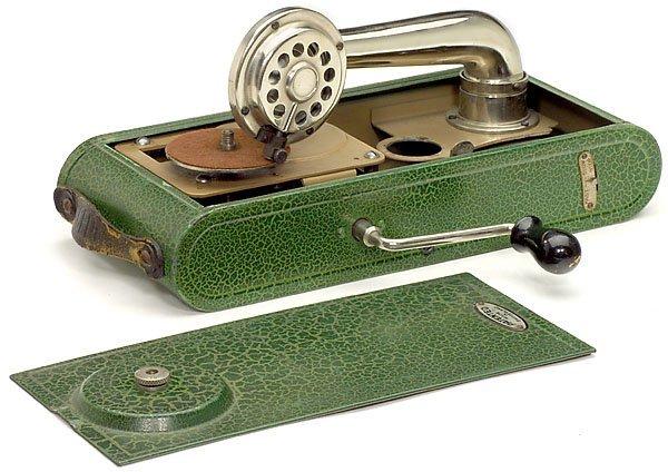 440: Portable Swiss Gramophone Colibri camera shaped