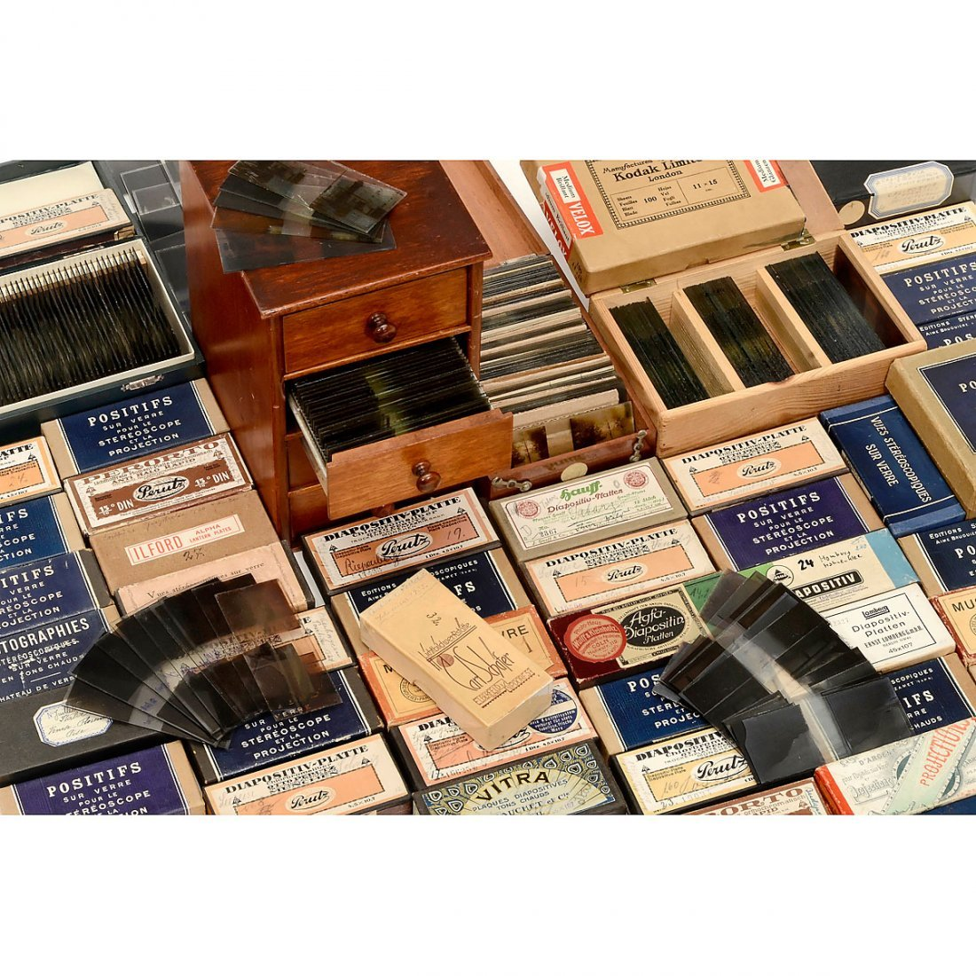 Approx. 900 Stereo Glass Slides (45 x 107 mm), 1910 - 2