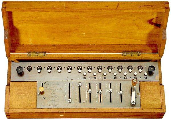 """22: Thomas """"Arithmomètre"""", c. 1875 calculator Rechenmas"""