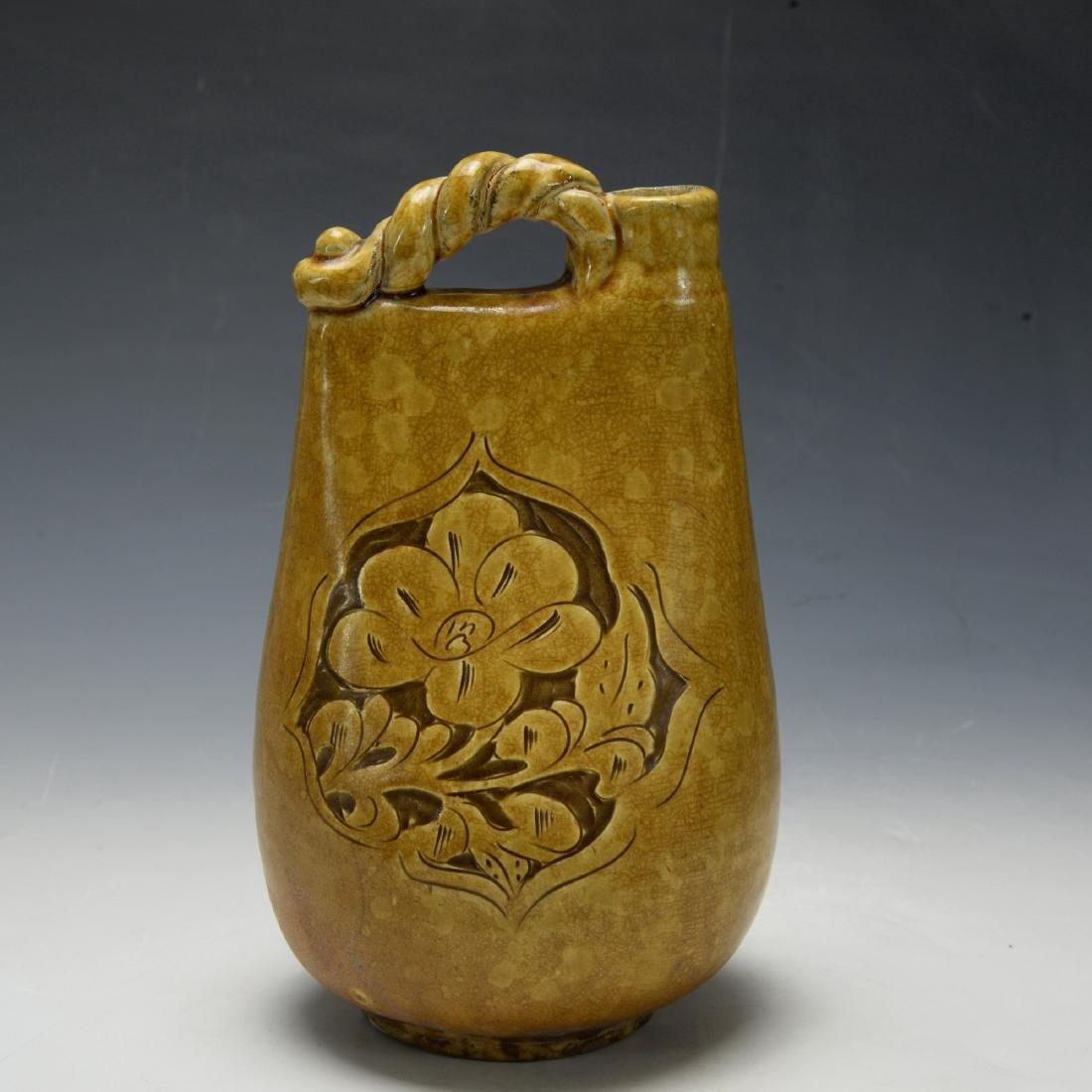 Chinese Ji Zhou Yao Green and Yellow Gleazed Wine Pot