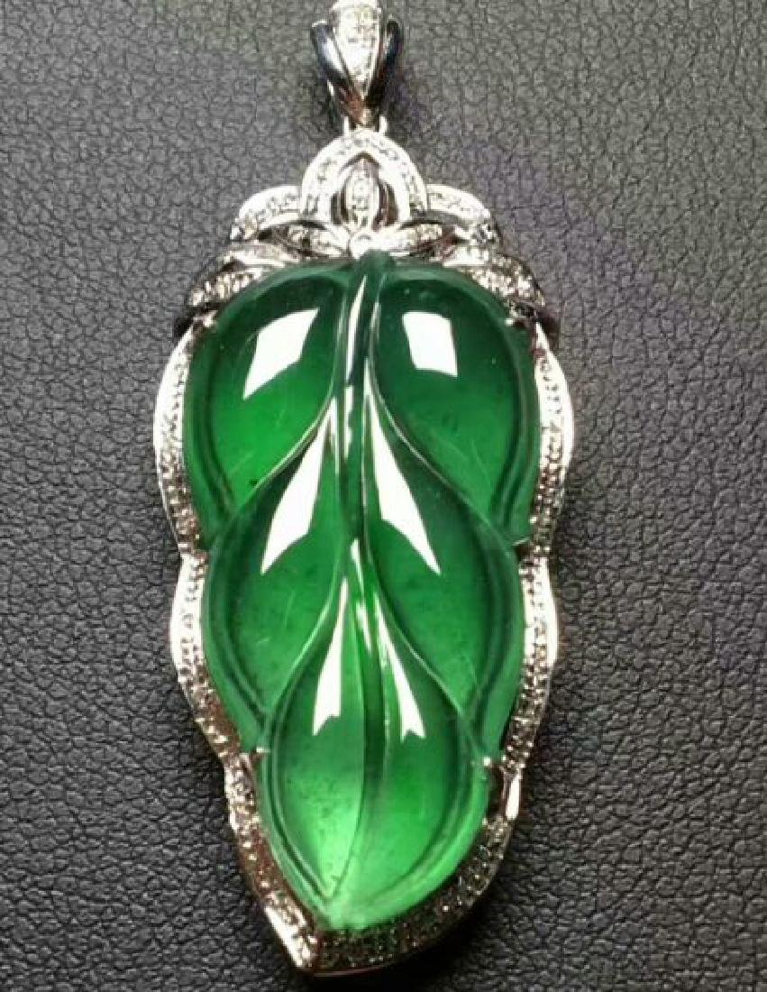 Chinese Jadeite 18K Gold Pendant