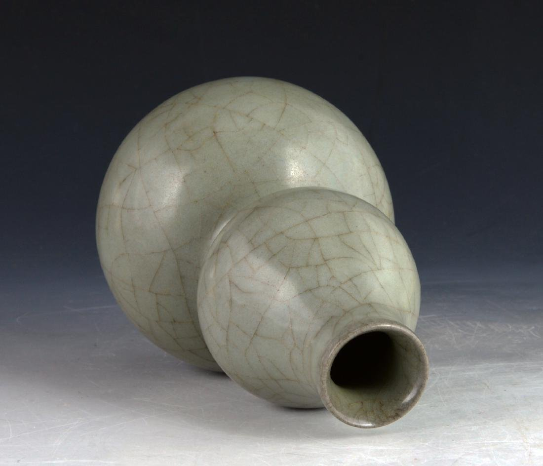 Chinese Longquan Celadon Double Gourd Vase - 3