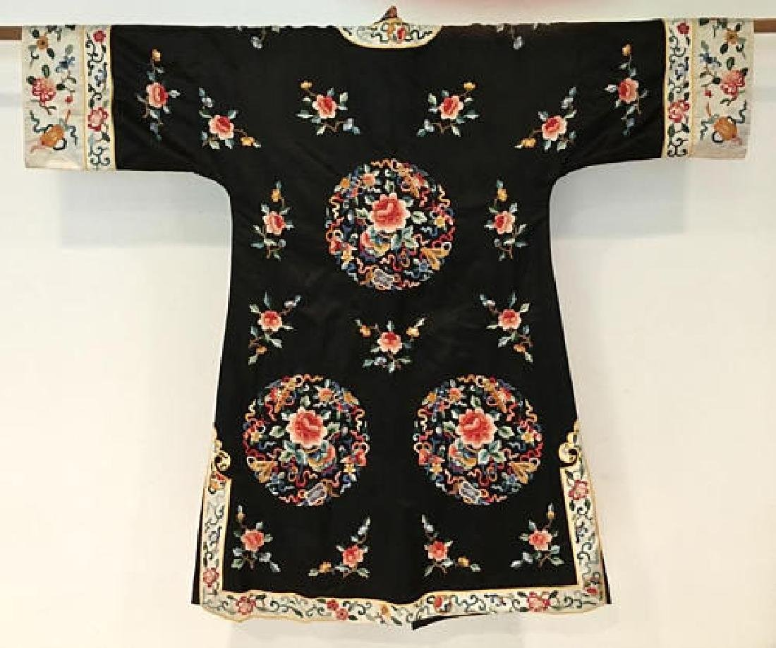 Chinese Antique Embroidered Silk Robe - 7